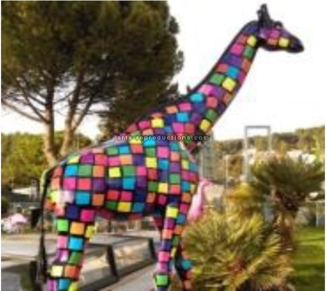 Sculpture animal en résine GIRAFE XXL SMARTIE